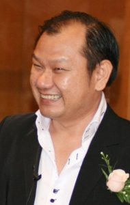 Dr David Ling is a certified speaker in aesthetic medicine.